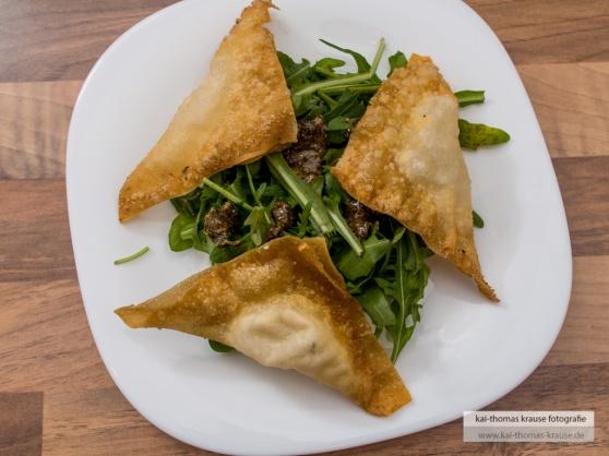 Salat mit Kürbiskernpesto und Ziegenfrischkäse (by Kai's Kitchen Blog)